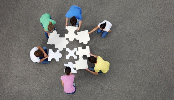 Generating innovation and problem solving through informal remote teamwork dynamics